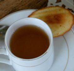 Du 11 au 15 Novembre, à la Librairie Le Feu Follet, venez fêter les 100 ans de Du côté de chez Swann en dégustant un thé avec des madeleines...