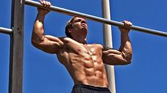Chin Up Exercise - Chin-Ups for Back Muscles Workout Calisthenics Training, Plyometrics, Strength Training Workouts, Park Workout, Street Workout, Ryan Reynolds, Pull Up Variations, Body Weight Training, Chest Workouts