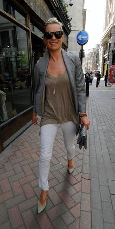 Kate Moss Style Icon - white skinny jeans