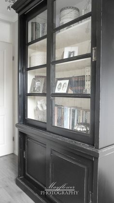 Her Office Built-in's Black Furniture, Painted Furniture, Office Built Ins, Multifunctional Furniture, Built In Bookcase, Painting Cabinets, Upcycled Furniture, Decoration, China Cabinet