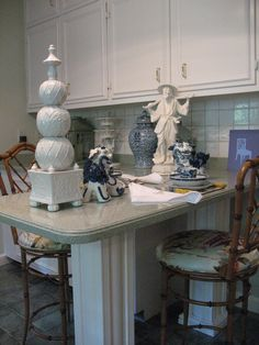 chinoiserie bedroom blue white - Google Search
