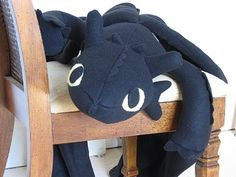 Toothless from How to Train Your Dragon Ill probably never be patient enough to do this, but Ill pin anyway!