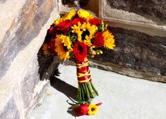 fall wedding sunflower red roses-bouquet