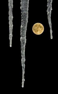 Mond Eiszapfen