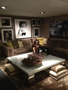 Fun Finds & Interior Design: Why are we so afraid of dark wall colors? Living Room Designs, Living Room Decor, Home Cinema Room, Up House, Home Cinemas, Home Entertainment, Elegant Homes, Contemporary Interior, Home And Living