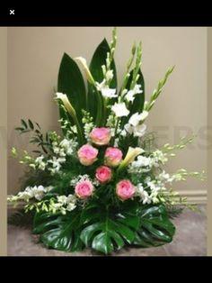 W Produto de flores: Harmonia - Floral arrangements - Rosen Arrangements, Tropical Flower Arrangements, Funeral Flower Arrangements, Altar Flowers, Church Flowers, Funeral Flowers, Ikebana, Buy Flowers Online, Order Flowers