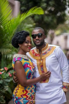 African Wear Styles For Men, African Wear Dresses, African Print Fashion, African Attire, Couples African Outfits, Couple Outfits, South African Traditional Dresses, Kente Dress, Kente Styles