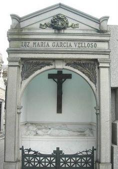 LUZ MARIA, LA DAMA DE BLANCO, CEMENTERIO DE LA RECOLETA