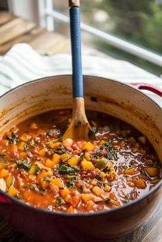 29 Warm Dinners That Take Only 30 Minutes to Get on the Table  Filled with veggies and pasta, minestrone is a pretty hearty soup already. This recipe makes it even more main meal worthy by adding butternut squash cubes and kale, while still keeping the ingredient list to under 10 items.