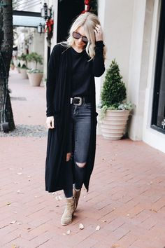 Long Black Sweater, Jeans and Beige Ankle Boots/Shoes Black Cardigan Outfit, Cardigan Outfits, Casual Outfits, Cute Outfits, Long Cardigan, Long Black Sweater, Maxi Cardigan, Black Sweaters, Look Fashion