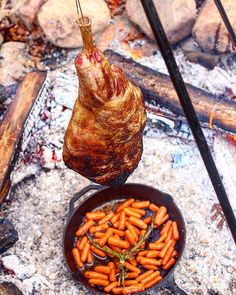 Hanging Lamb Leg - Over The Fire Cooking Cooking Over Fire, Cooking Photos, Campfire Food, Oven Recipes, Cooking Recipes, Always Hungry, Bbq, Food And Drink, Stuffed Peppers