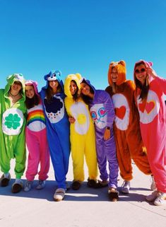 Best DIY Group Halloween Costumes for your girl squad Best DIY Group Halloween Costumes for your girl squad. Hallowen costumes Best DIY Group Halloween Costumes for your girl squad hallowen costumes , Best Group Halloween Costumes, Trendy Halloween, Halloween Parties, Halloween College, Women Halloween, Halloween Halloween, Halloween Recipe, Halloween Makeup, Care Bears Halloween Costume