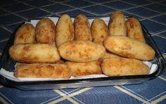 O Bolinho de Mandioca é delicioso, fácil de fazer e econômico. Faça para o lanche da sua família e receba muitos elogios! Veja Também:Bolinho de Arroz com