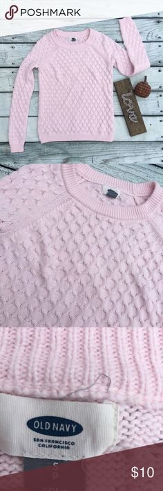 Old Navy light pink woman's sweater size small Preowned woman's Old Navy light pink sweater size small normal wear Sweaters Crew & Scoop Necks