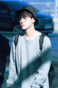 170514// Why you gotta go and cut those innocent pants at the knees? Sometimes I think they do that because their legs need to breathe and not at all for fashion. Jin, you still look great tho