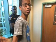 The 14-year-old Muslim student who was arrested – for making a clock.