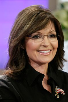 Yes, it is true. I voted for Sarah Palin. No, not when she was running for Vice President. Way back when she was running for governor of Alaska. Sarah Palin Hot, Sexy Older Women, Girls With Glasses, Celebs, Celebrities, Woman Crush, Role Models, Persona, Alaska