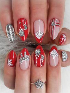 Most Beautiful and Attractive Red Christmas Nails 2019 Christmas Nails 2019, Winter Nails 2019, Xmas Nails, Winter Nail Art, Halloween Nails, Nail Art Diy, Diy Nails, Christmas Nail Art Designs, Christmas Design