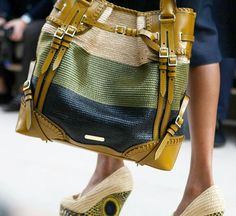 burberry raffia on the runway