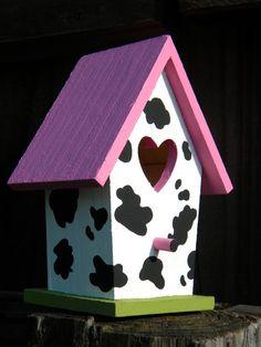 New Painting Bird Houses Ideas Fairies 34 Ideas Bird Houses Painted, Bird Houses Diy, Fairy Houses, Painted Birdhouses, Red Roof, Small Birds, Cow Print, House Painting, Diy Painting