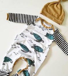 Neugeborenes Baby Jungen Turtle Striped One Piece Overall Strampler Outfits Kleidung Fashion Kids, Baby Boy Fashion, Fashion Top, Fashion 2018, Fashion Clothes, Fashion Dresses, Fashion Trends, Organic Baby Clothes, Cute Baby Clothes