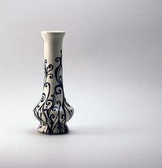 Pretty little vase - I love this Etsy shop :-) $15 #etsy