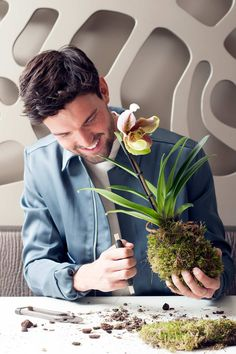 Kokedama or happy guy with knife.