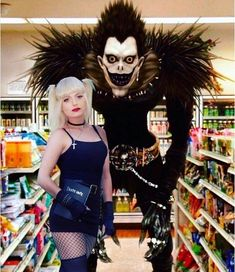 Miss Amane and Ryuuk from Death Note Anime Cosplay, Lolita Cosplay, Epic Cosplay, Amazing Cosplay, Cosplay Outfits, Cosplay Girls, Death Note Cosplay, Halloween Kostüm, Halloween Cosplay