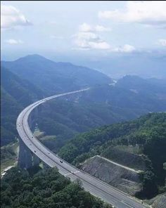 Not Canada, not Europe nor far East, this is our lovely Pakistan....road between Haripur n Thakot