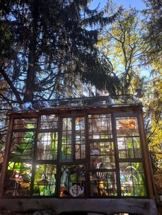 37 Inspiring Glass Cabin Design Ideas With Recycled Windows To Try - Winter is over, and it's time to replace old windows and doors that aren't energy efficient. In any town or city, you will see stacks of old window sa. Stained Glass Patterns, Stained Glass Art, Glass Cabin, Recycled Windows, Shed Colours, Colors, Backyard Fireplace, House Deck, Cabin Design