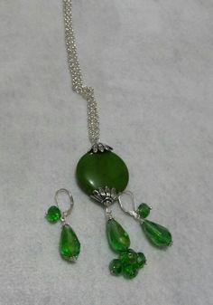 Cadena y aretes verde