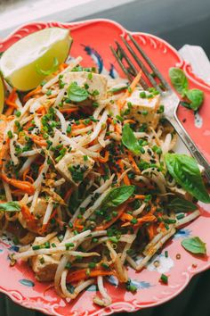 No Noodle Pad Thai: very fresh and crisp, with julienned daikon and carrots replacing noodles (raw, vegan).
