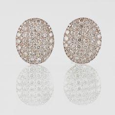 ÖRHÄNGEN, 18K vitguld med 164 briljantslipade diamanter 3.23 ct