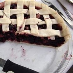 Mulberry Rhubarb Pie - I've added black cap raspberries and made this as a galette. Even ppl who have never had mulberries or rhubarb love this! Rhubarb Recipes, Pie Recipes, Snack Recipes, Dessert Recipes, Cooking Recipes, Desserts, Healthy Recipes, Rubarb Pie, Mulberry Pie