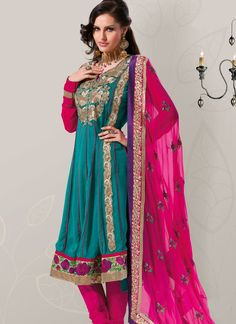 #Eman_Shaker looks #stunning in all #colors #إيمان_شاكر تبدو مذهلة في جميع الألوان