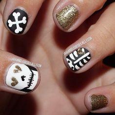 skeleton nails...I think yes!