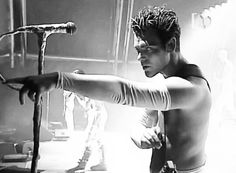Epic Firetruck's Rammstein ~ he looks so young