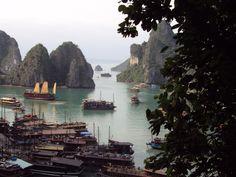 Hạ Long - Ha Long Bay Cruise in Vietnam. Wow.
