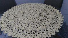 Centro de mesa em crochê confeccionada com linha Anne