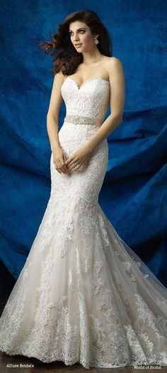 This gown is perfection: gorgeous lace, the ideal silhouette and a scalloped, sweetheart neckline.