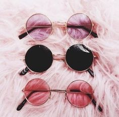38 ideas for clothes pink sunglasses Stylish Sunglasses, Round Sunglasses, Sunglasses Women, Latest Sunglasses, Summer Sunglasses, Tumblr Mode, Glasses Trends, Lunette Style, Cool Glasses