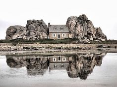 """Castel Meur"" in Bretagne, France, near Plougrescant (thx to Bernard Verbauwen) The Places Youll Go, Places To See, Beautiful World, Beautiful Places, Tenerife, Architecture, Scenery, Photos, Pictures"