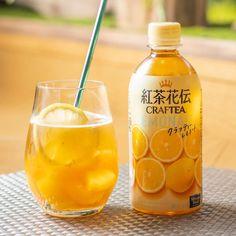 Coca Cola CraftTea Black Peach Tea Luxurious Squeeze 410ml - Made in Japan Black Peach, Black Apple, Japanese Drinks, Apple Tea, Coca Cola, How To Make