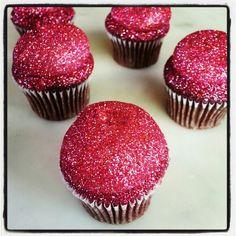 Pink Glitterbomb Cupcakes