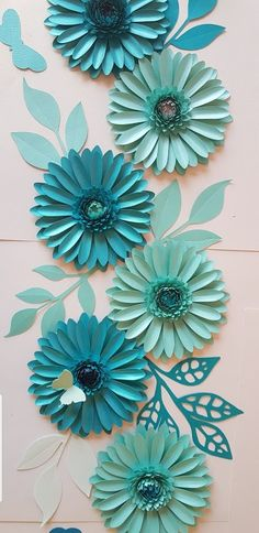 www.etsy.com/shop/ontrendideas great for tabledecorations #table #tablerunner #decoration check out our #etsy shop and #makeyourown  #getitdone #getcreactive #templates . 50% discount sale now on Crepe Paper Flowers Tutorial, Crepe Paper Roses, Paper Flowers Craft, Large Paper Flowers, Flower Crafts, Diy Paper, Paper Crafts, Diy Crafts, Alternative Bouquet