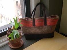 Kara Bouts | felted bag