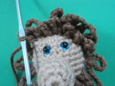 Little Bigfoot Lion Free Häkelanleitung, Free Crochet, Crochet Hats, To Go, Bigfoot, Crotchet, Lion, Crochet Patterns, Winter Hats, Amigurumi