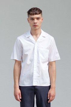 VON HUND Fashion & Design - Menswear Lookbook S/S16, White Cotton Popelin Kuno Short Sleeve Shirt & Midnight Blue Woolen Anzo Pants. Radical Price Transparency.  www.vonhund.com