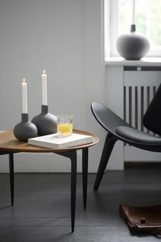 Once again, Kähler is launching distinctive and innovative interior design. Scandinavian Interior Design, Scandinavian Living, Gray Interior, Interior And Exterior, Simple Living Room, Home And Living, Interior Inspiration, Home Accessories, Home Furniture
