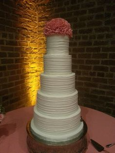 Rustic style cake with fondant ruffle topper. Fondant Ruffles, Fondant Cakes, Buttercream Cake, Rustic Style, Wedding Cakes, Desserts, Food, Design, Wedding Gown Cakes